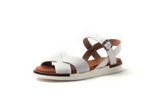 Bequeme Sandale in weiß oder petrol mit weißer Sohle.
