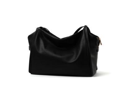 Tasche aus weichem Leder mit langem Riemen in schwarz.