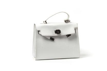 Kelly-Bag in weiß.