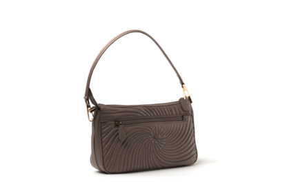 City-Handtasche in gestepptem Leder mit Außenzipp in congnac.