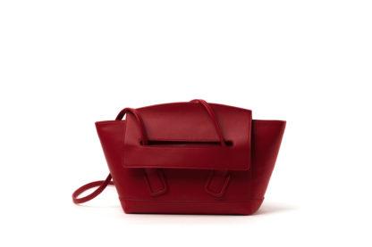 City-Handtasche aus Leder in rot.