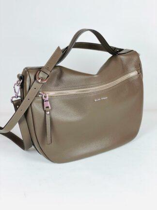 Tasche zum Schrägtragen aus genarbten Leder in schlamm mit 2 Zippfächern von Gianni Notaro.