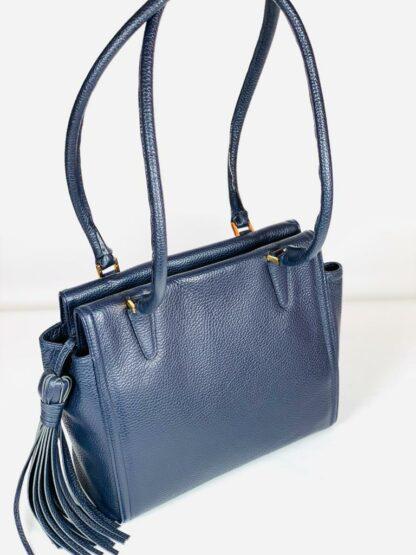 Shopper genarbtes leder in blau, 28x24 cm.